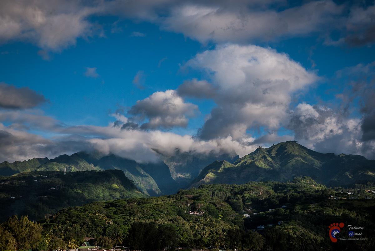 Vues sur les sommets de Tahiti